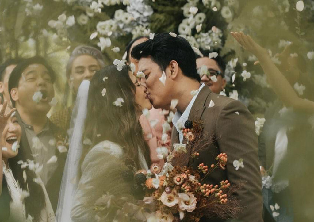 LOOK: KZ Tandingan Gets Married To TJ Monterde In A White